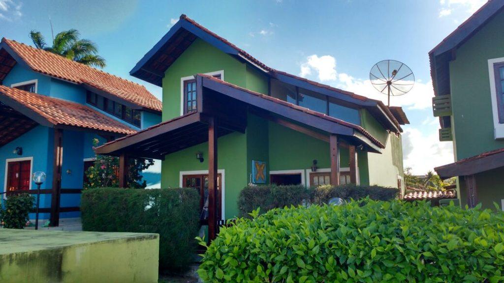 Casa Muito Aconchegante – Em Condomínio – Com Excelente Preço