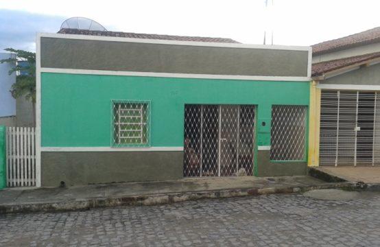 EXCELENTE CASA FORA DE CONDOMÍNIO