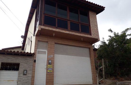 linda Casa Com Móveis Planejados ( Bairro Cruzeiro )