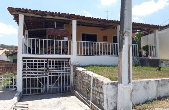Casa Bem Localizada Em Condomínio Próximo ao Centro