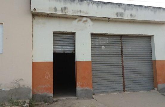 EXCELENTE GALPÃO BEM LOCALIZADO FORA DE CONDOMÍNIO