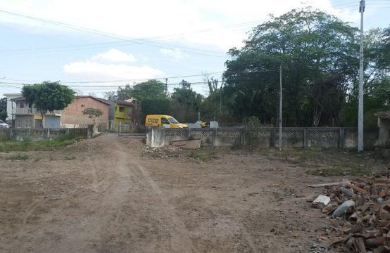 EXTRA ! ÁREA PLANA DE 1,5 HECTARES NO CENTRO DA CIDADE