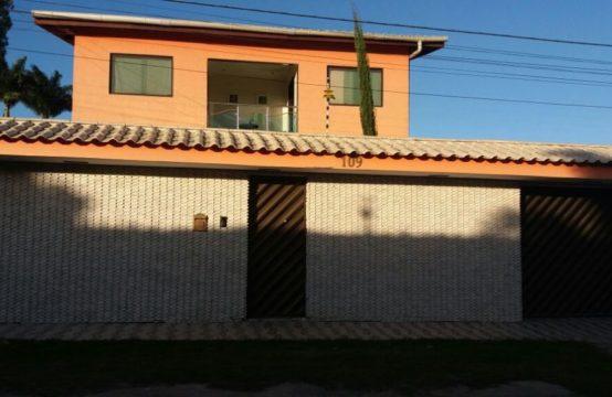 LINDA CASA FORA DE CONDOMÍNIO