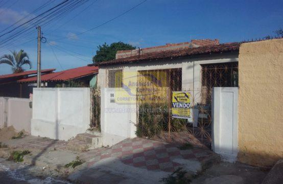 Casa Próxima Do Centro Com  Rua Calçada