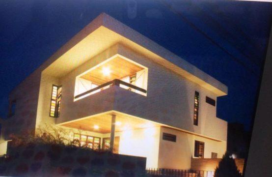 Excelente Casa De 400 m² De Área Construída No Condomínio Villa Amélia