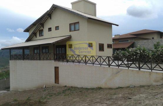 Ótima Casa Com Vista Privilegiada Em Condomínio