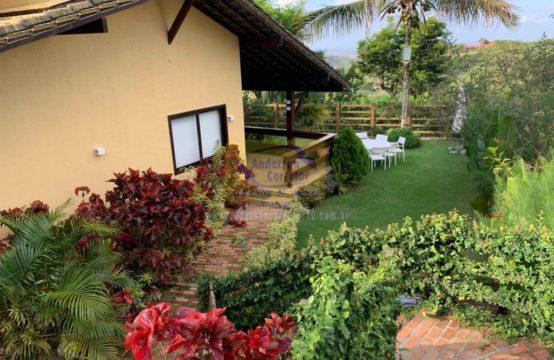 Vendo Casa No Condomínio Casa da Montanha Com Jardim e Reforma