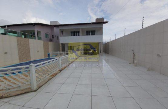 Casa Com Excelente Espaço Livre Em Bairro Próximo Ao Centro