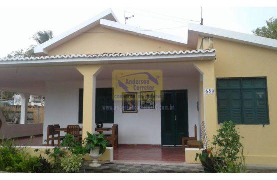 Alugo – Casa Com Excelente Localização