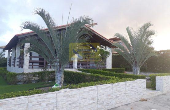 Linda Casa – Em Condomínio Com Ótima Estrutura