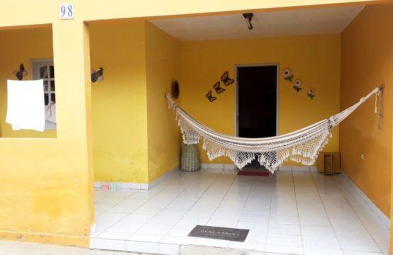 Vendo – Casa Com Boa Localização