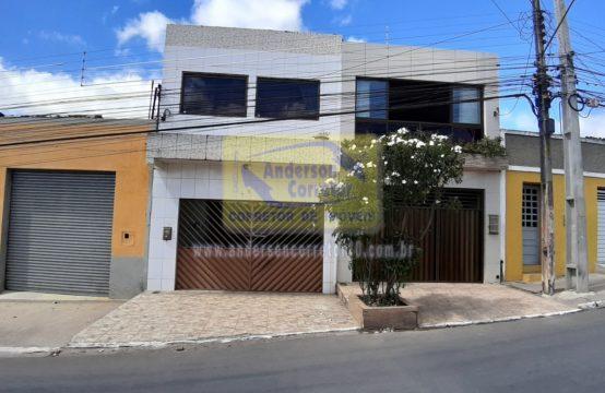 Ótima Casa Com Excelente Localização – Em Rua Principal